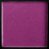 huda beauty desert dusk eye shadow matte amethyst color