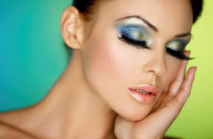 girl wearing blue eyeshadow makeup