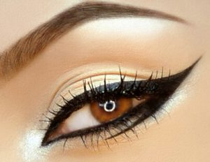 graphic eye makeup eyeliner