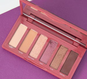 01. aphrodisiac urban decay eye shadow palette main